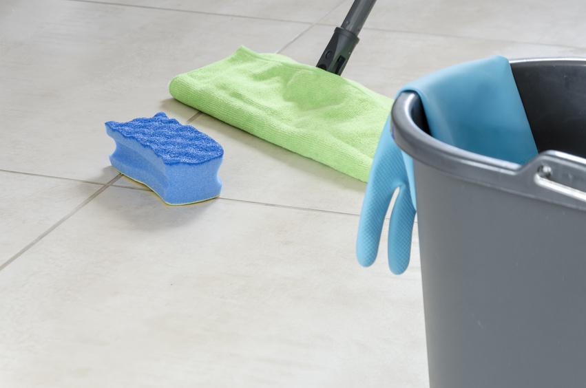 plexiglas putzen aus kunststoff reinigen das knnen sie tun with plexiglas putzen kche putzen. Black Bedroom Furniture Sets. Home Design Ideas