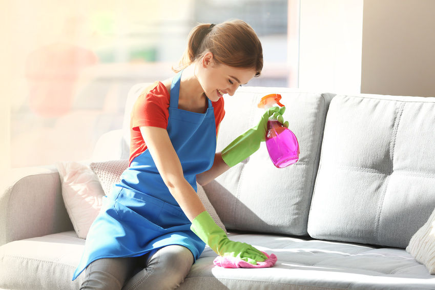 Häufig Polster und Teppiche mit Rasierschaum reinigen | Putzen.net KS01